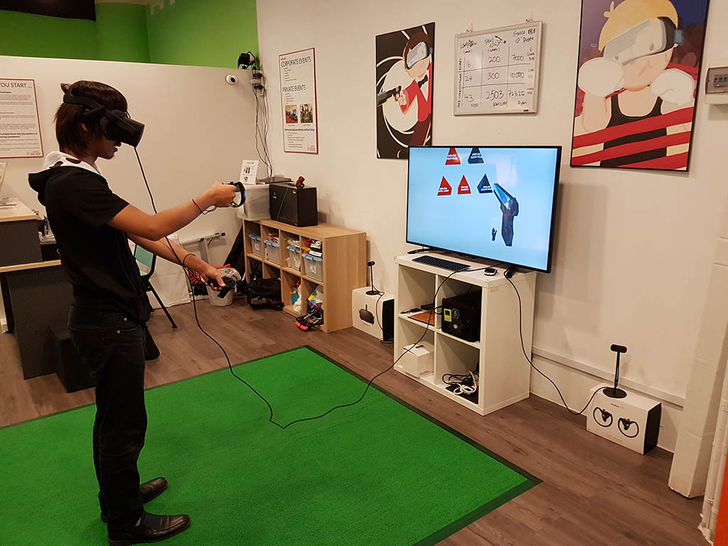 Oculus Rift CV1 + VR Cover Review