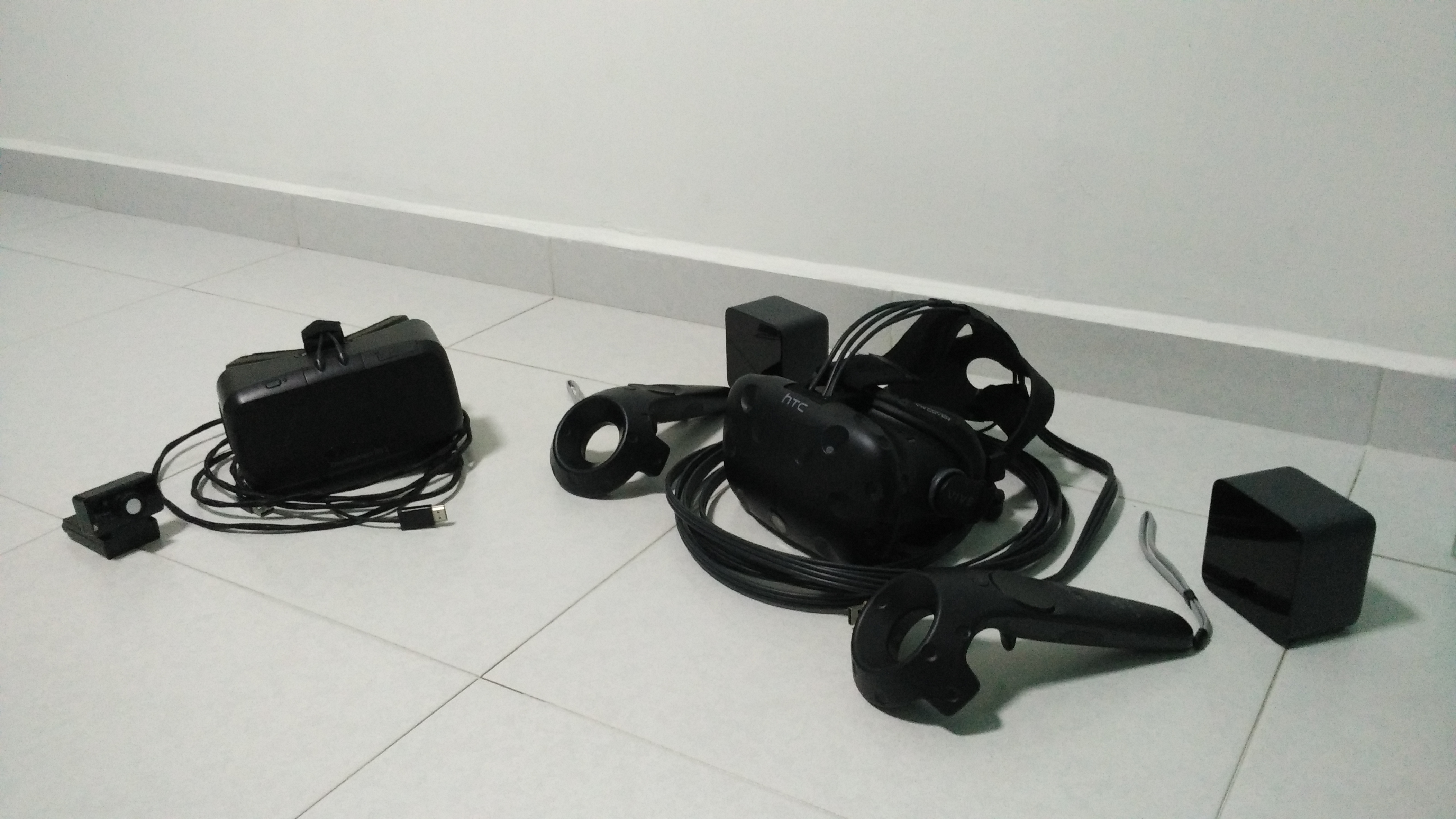VR Head Mounted Display Part 1: High-End HMD